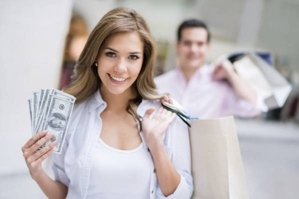 Women tend to use cash